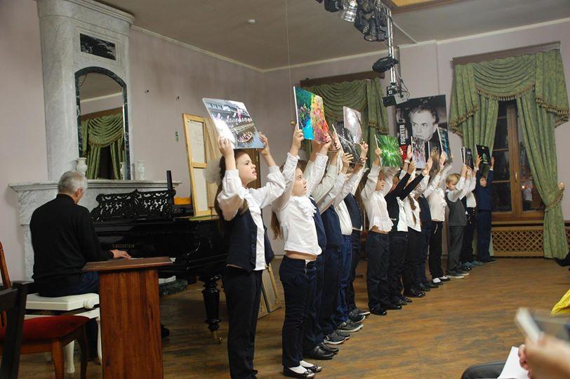 「未来の学校」写真展示