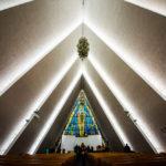 作品「北極教会 (Arctic Cathedral)」